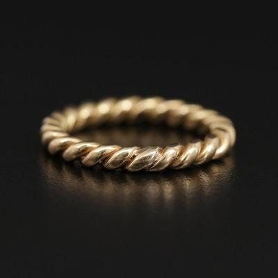 18K Band with Rope Detailing in Yellow Gold