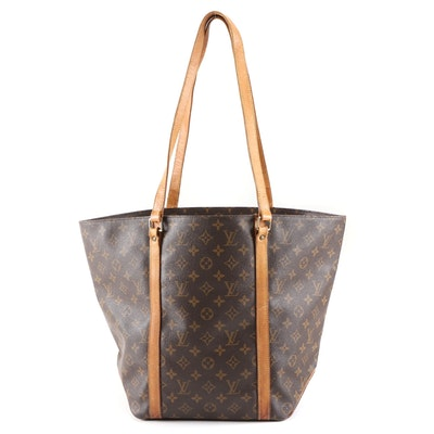 Louis Vuitton Sac Tote in Monogram Canvas and Leather