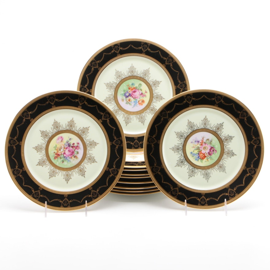 Fürstenberg Porcelain Dinner Plates with Center Floral Motif and Gilt Trim