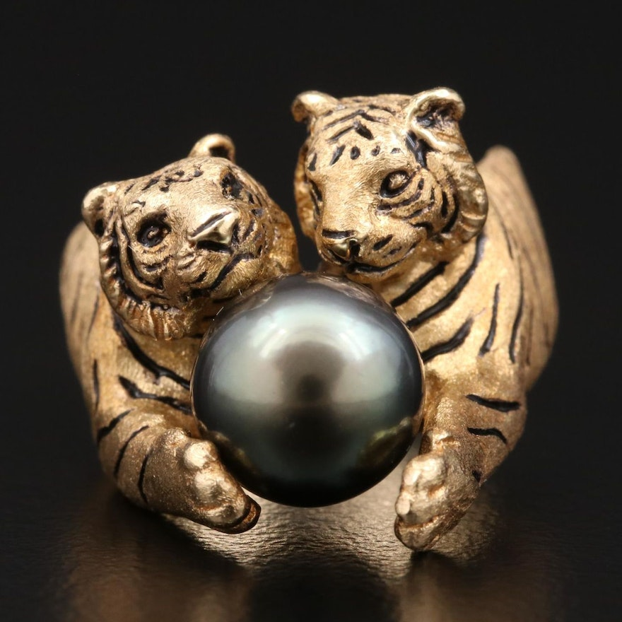 18K Yellow Gold and Black Enamel Double Tiger Pearl Ring