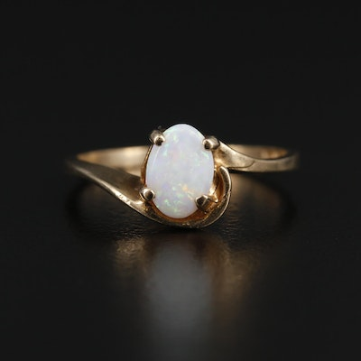 Vintage 10K Yellow Gold Opal Ring