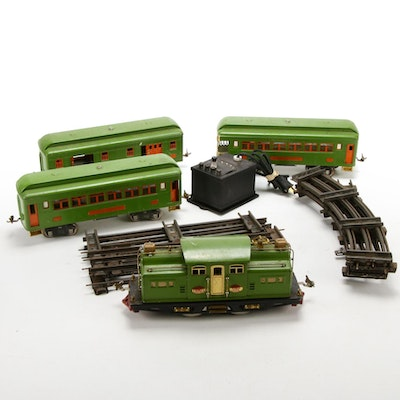 Lionel Pre-War Standard Gauge 318E Locomotive and Passenger Cars