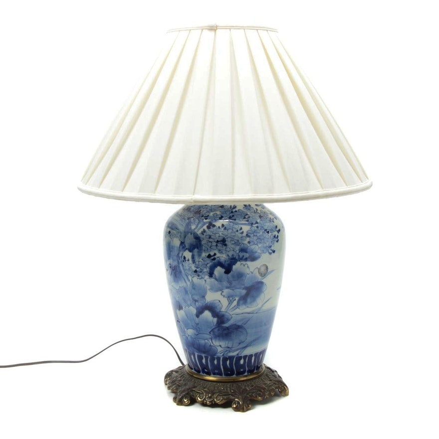 Chinese Blue and White Porcelain Table Lamp