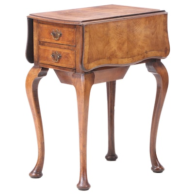 Queen Anne Style Walnut Drop-Leaf Side Table