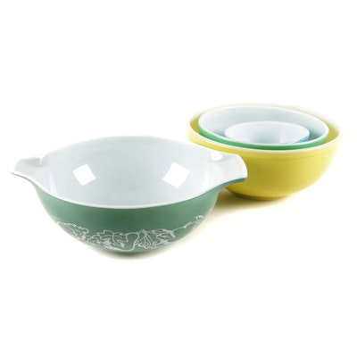 """Pyrex """"Salad Bowl"""" Cinderella Bowl with """"Primary Colors"""" Mixing Bowls"""