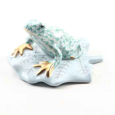 "Herend Green Fishnet with Gold ""Frog on Lily Pad"" Porcelain Figurine June 1996"