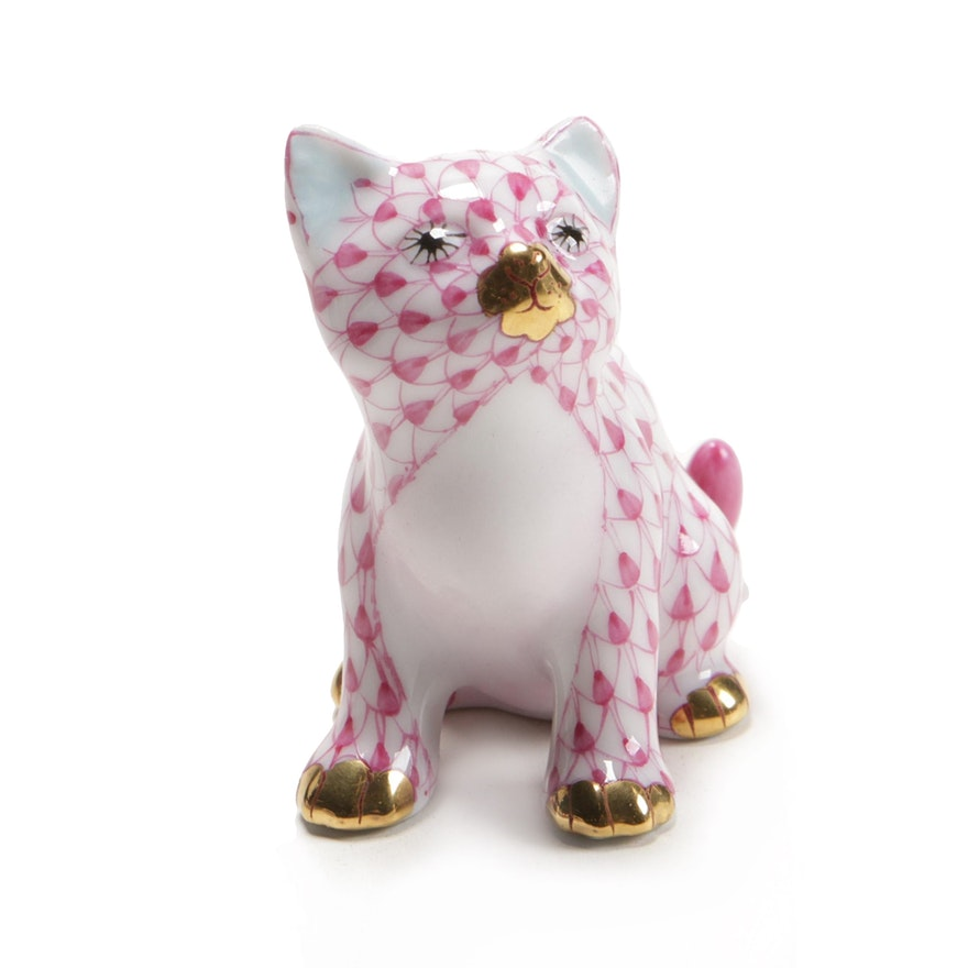 """Herend Raspberry Fishnet with Gold """"Sitting Kitty"""" Porcelain Figurine"""