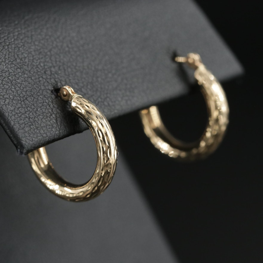 14K Yellow Gold Patterned Small Hoop Earrings