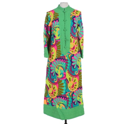 Charles & Co. Quilted Caftan Robe in Bold Multicolor Print, 1970s Vintage