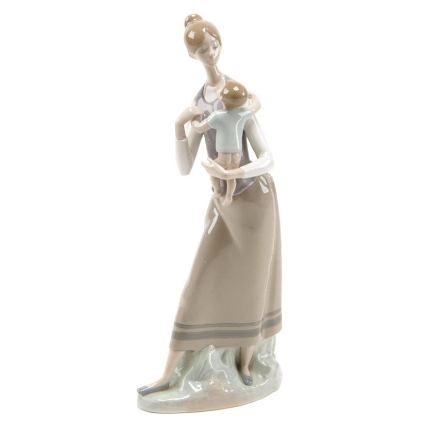 "Lladró ""Motherhood"" Porcelain Figurine Designed by Antonio Ruiz, 1977–1984"