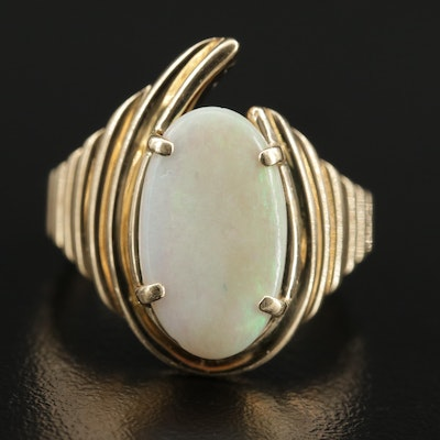 Vintage 14K Yellow Gold Opal Ring Featuring Ridged Pattern