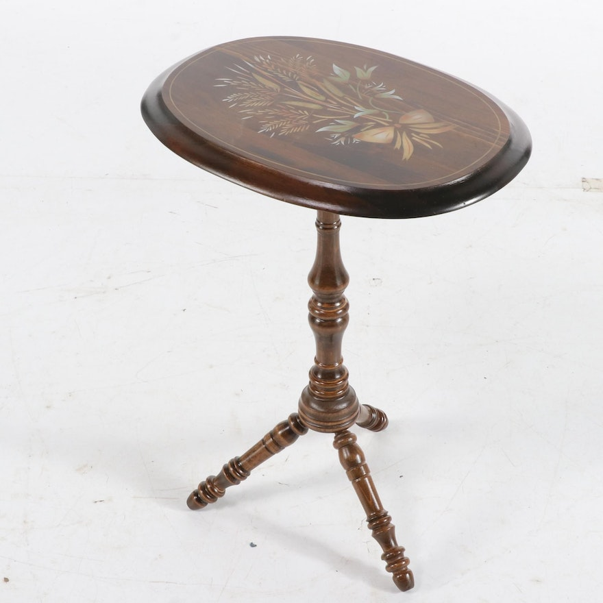 American Colonial Style Pine Tilt-Top Candlestand, Mid to Late 20th Century
