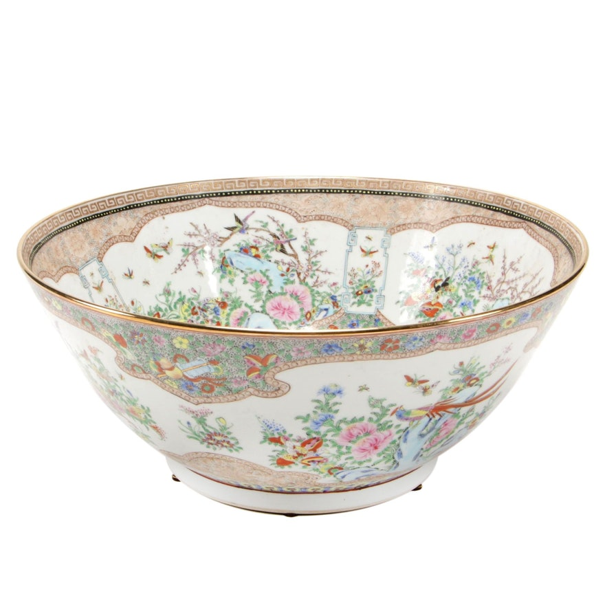 Chinese Hand-Painted Rose Medallion Porcelain Bowl, Early 20th Century