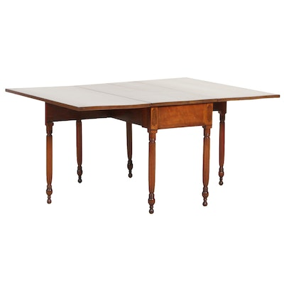 William and Mary Style Gateleg Drop Leaf Table, 20th Century