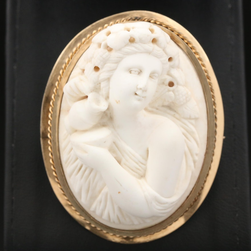 Victorian 10K Yellow Gold Carved Lava Cameo Brooch