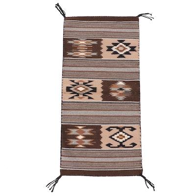 1'3 x 2'8 Handwoven Southwestern Style Wool Floor Mat