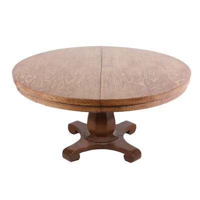 Figured Oak Pedestal Dining Table, Early 20th Century