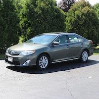 2013 Toyota Camry Hybrid XLE Magnetic Gray 4-Door Sedan