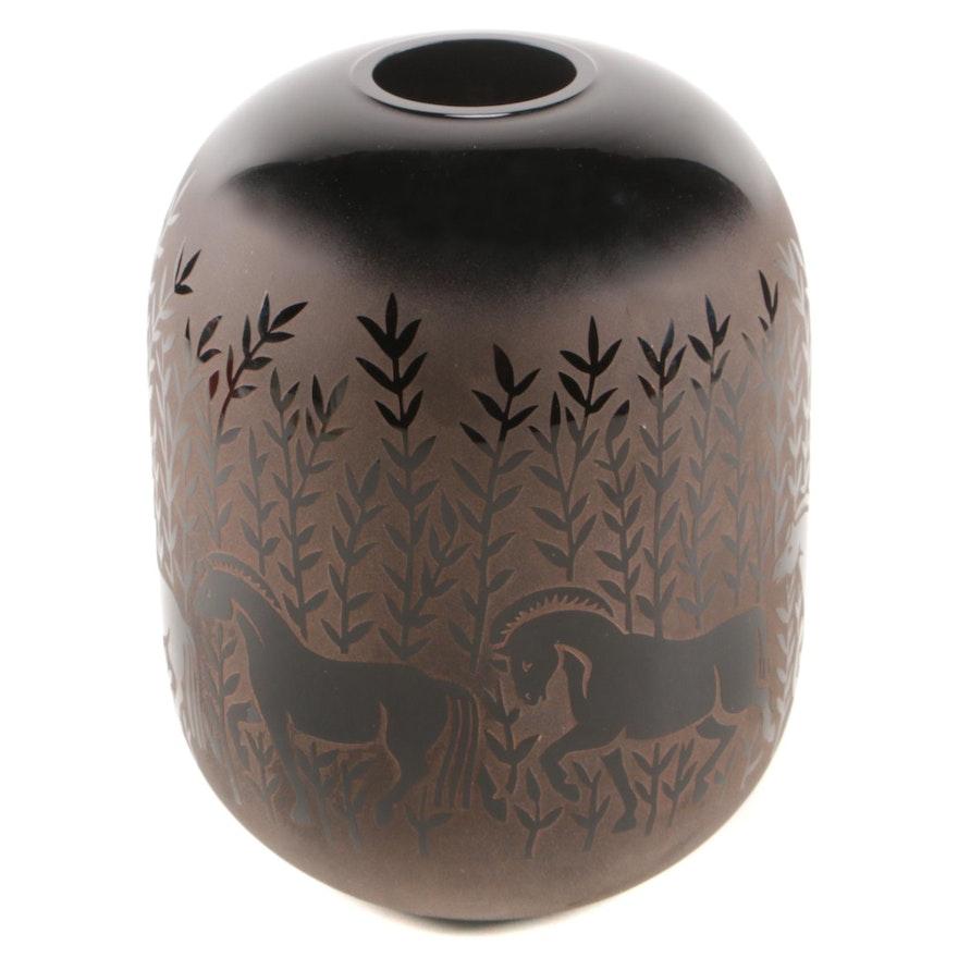 Kelsey Murphy Pilgrim Cameo Glass Vase, Late 20th Century