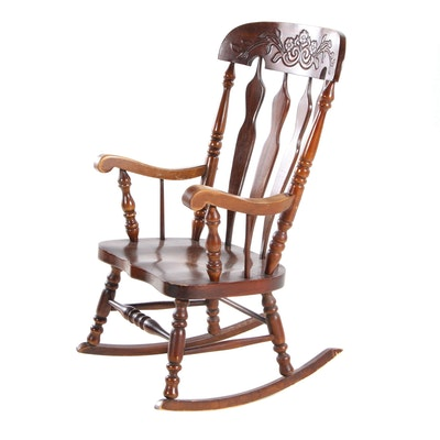 Virginia House American Colonial Style Pine Rocking Chair