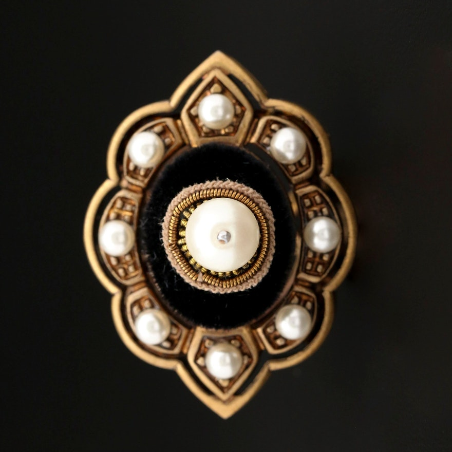 Gucci Faux Pearl Velvet Pin Cushion Ring