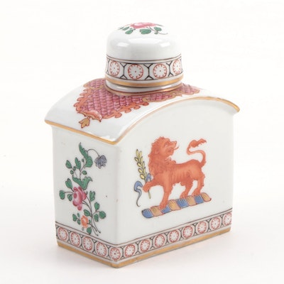 Porcelaine de Paris Chinese Armorial Style Porcelain Tea Caddy