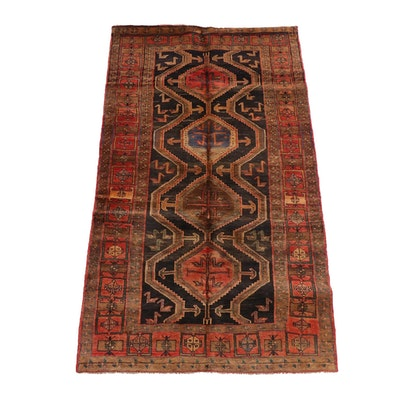 5'1 x 8'11 Hand-Knotted Caucasus Akstafa Wool Rug