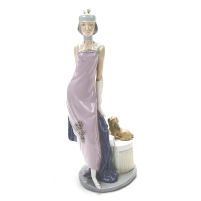 "Lladró ""Couplet Lady"" Porcelain Figurine Designed by Vicente Martínez"