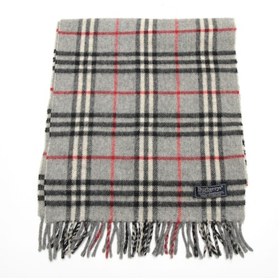 Burberrys of London Lambswool Grey Check Fringed Scarf