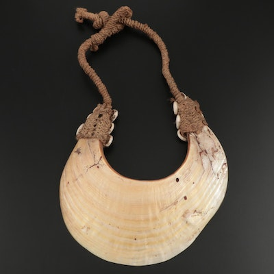 Papua New Guinea Central Highlands Kina Shell Necklace