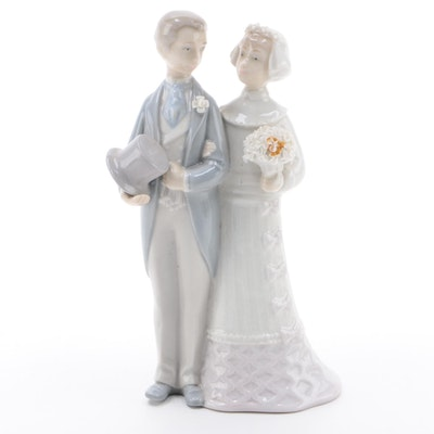 "Lladró ""Wedding"" Porcelain Figurine Designed by Julio Fernández"