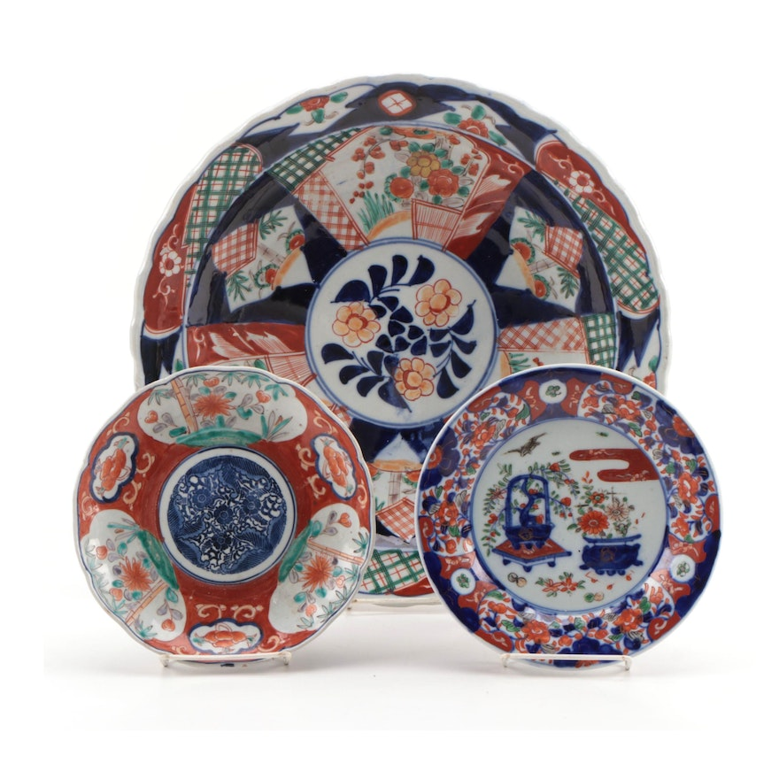 Japanese Imari Porcelain Charger and Plates, Late 19th Century