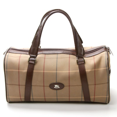 Burberrys Travel Duffel Bag in Plaid Jacquard Canvas and Brown Leather