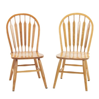 American Colonial Style Oak Arrow Bow-Back Side Chairs, Late 20th Century