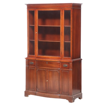 Bernhardt Furniture Duncan Phyfe Style Mahogany China Cabinet