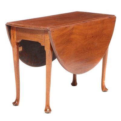 George II Walnut Drop-Leaf Table, Possibly Irish, Mid-18th Century