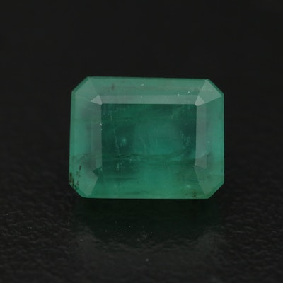 Loose 2.76 CT Octagonal Step Cut Emerald with GIA Report