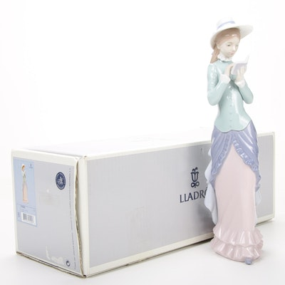 "Lladró ""Reading"" Porcelain Figurine Designed by Francisco Catalá"