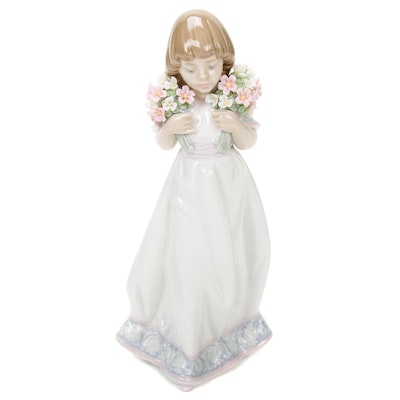 """Lladró Collector's Society """"Spring Bouquets"""" Porcelain Figurine, 1987"""