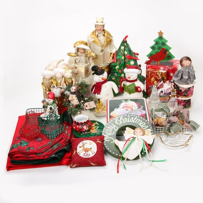 Seasonal Christmas Décor Assortment