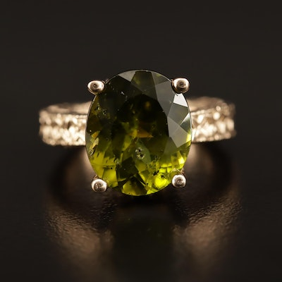 14K 6.90 CT Peridot Ring with Patterned Design
