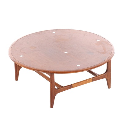 Lane Mid Century Modern Walnut Coffee Table, Mid-20th Century