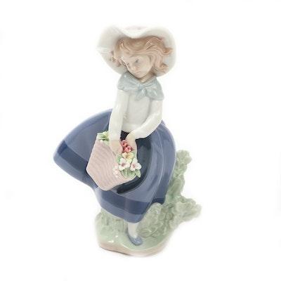 "Lladró ""Pretty Pickings"" Porcelain Figurine Desiged by José Puche"
