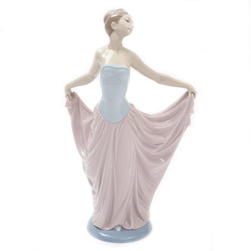 """Lladró """"Dancer"""" Porcelain Figurine Designed by Vicente Martínez"""