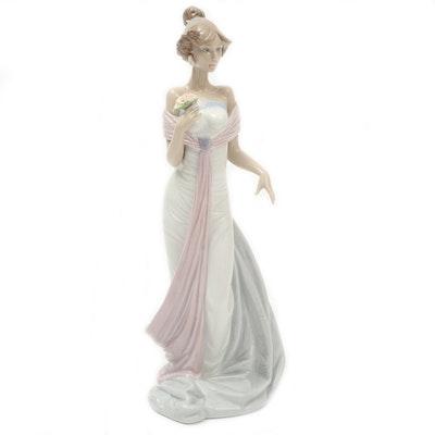 "Lladró ""Summer Infatuation"" Porcelain Figurine Designed by Regino Torrijos"
