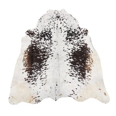 5' x 5'7 Natural Cowhide Area Rug