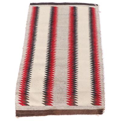 2'8 x 4'2 Navajo Western Reservation Rug