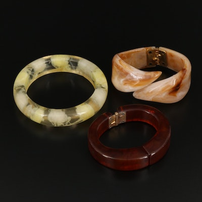 Assortment of Bangles Including Bakelite, Lucite and Resin