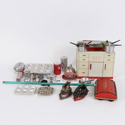 """Bissell's """"Little Queen"""" Child's Sweeper, Wolverine Kitchen Sink and More, 1940s"""