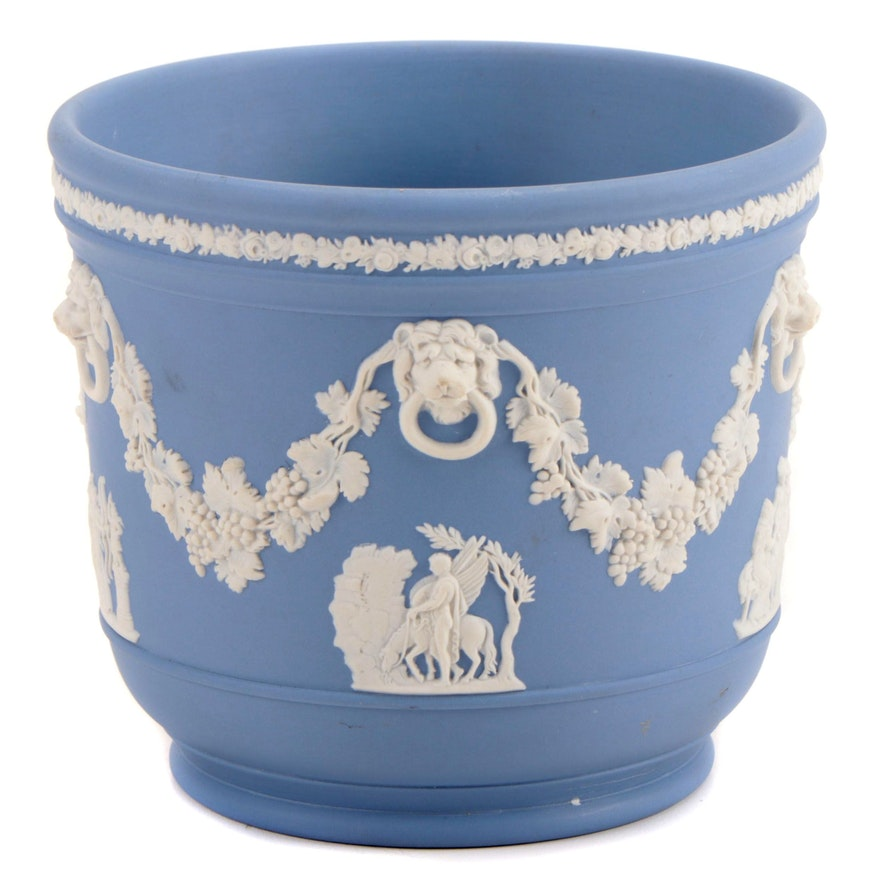 Wedgwood Jasperware Cream on Lavender Cachepot, Mid to Late 20th Century